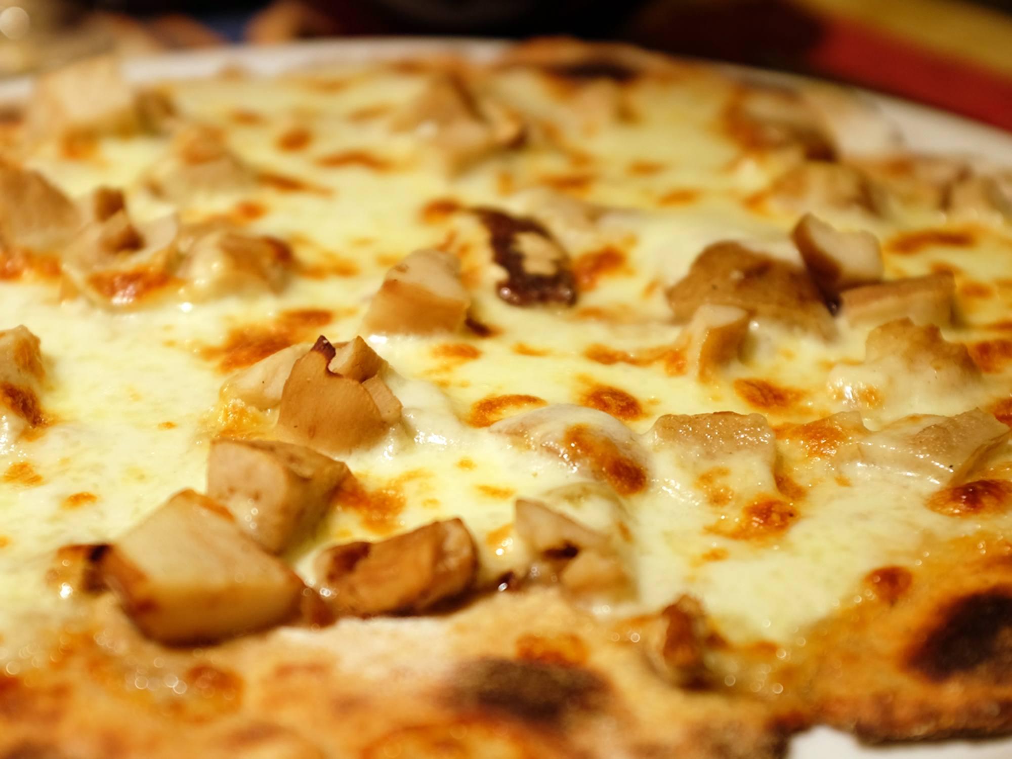 pizza con porcini freschi