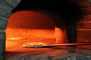 pizza margherita in forno